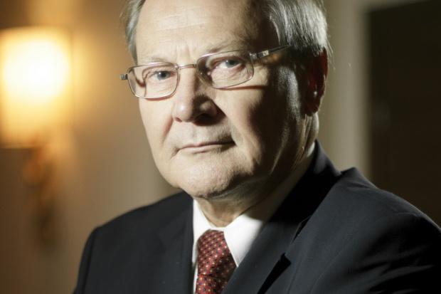 Prof. Mielczarski: konsolidacja energetyki niepoważna i szkodliwa
