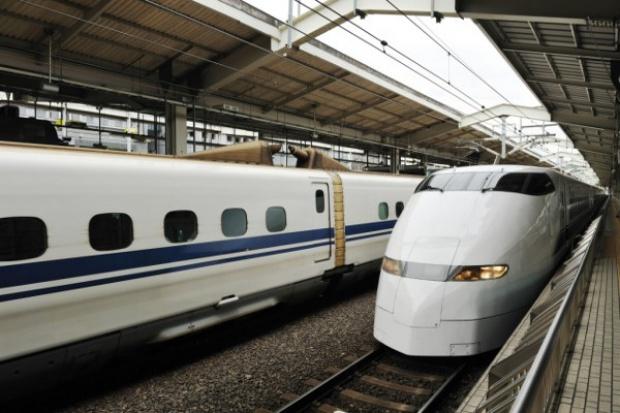 Hitachi silniej wchodzi w przemysł kolejowy