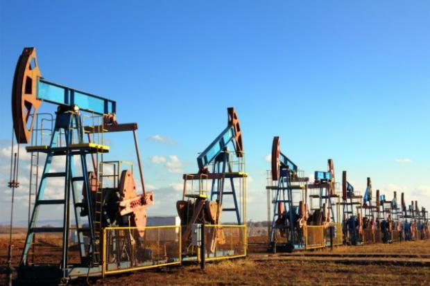 Największy miesięczny wzrost cen ropy od 2009 roku