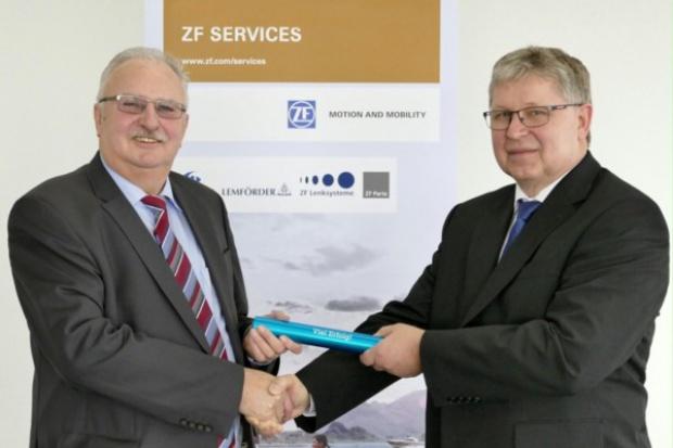 Zmiana za sterami ZF Services