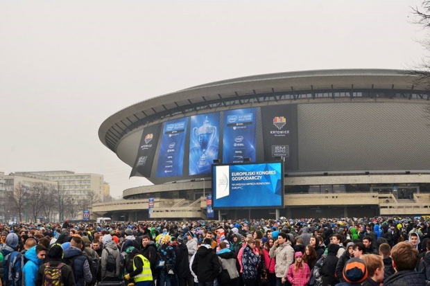 Tłumy fanów sportów elektronicznych na IEM Katowice 2015