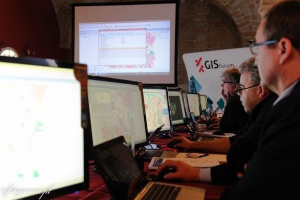 Akademia GISforum - zaawansowane narzędzia GIS w praktyce
