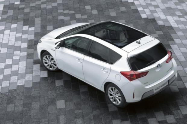 Toyota: sprzedaż hybrydy wyższa niż diesla