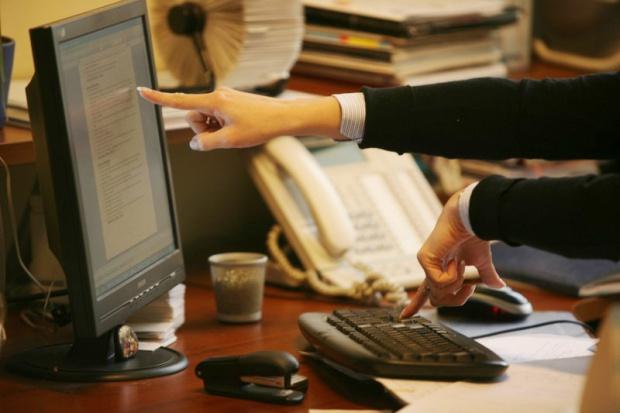 Klienci oczekują usług bankowych w sieci