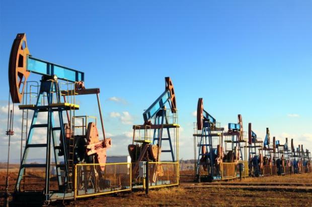 Ropa bardzo podatna na wydarzenia polityczne