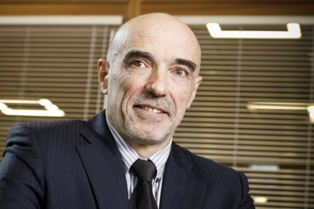 G. Bourland, Veolia: Europa nie istnieje w próżni