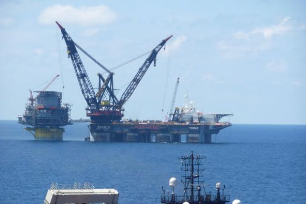 Shell zwolni ćwierć tysiąca nafciarzy