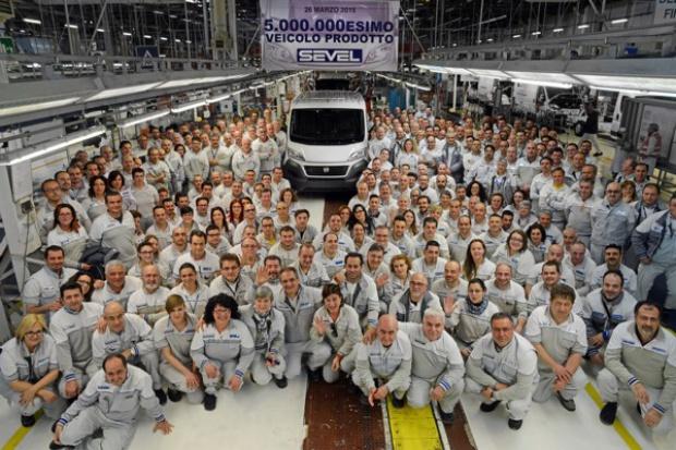 5 000 000 aut z Sevel