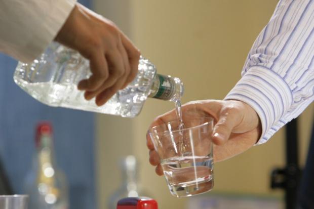 Eksperci: podwyżka akcyzy na napoje spirytusowe błędem