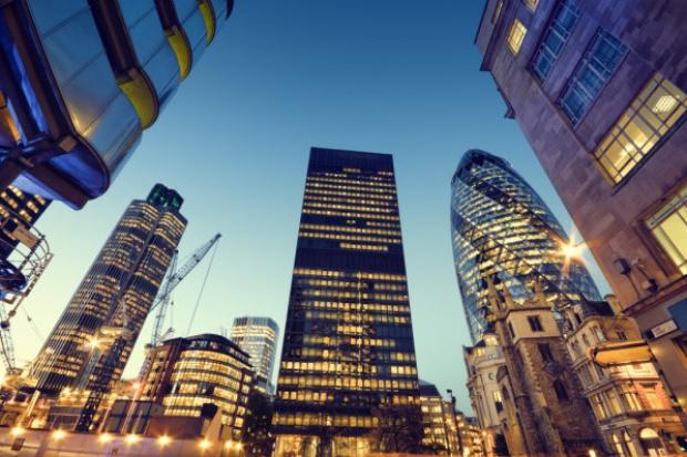 Oddziały bankowe wciąż są potrzebne pomimo rozwoju bankowości internetowej