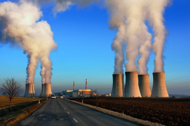 Rozwój energetyki jądrowej - szanse i zagrożenia