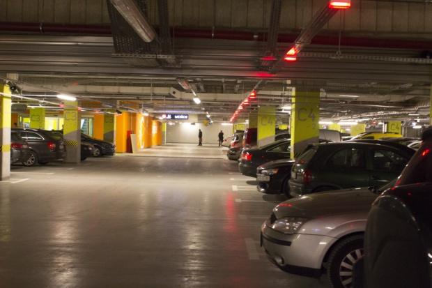 W Łodzi powstanie dziesięć wielopoziomowych parkingów