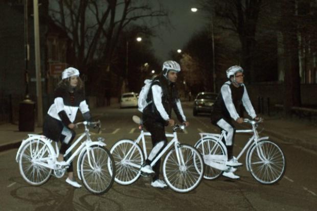 Odblaskowy spray Volvo dla.... rowerzystów