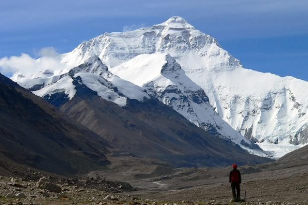 Chińczycy zbudują tunel pod Mount Everest
