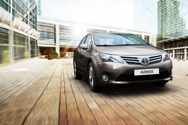 Toyota pokazała nowe modele avensisa i aurisa w Poznaniu