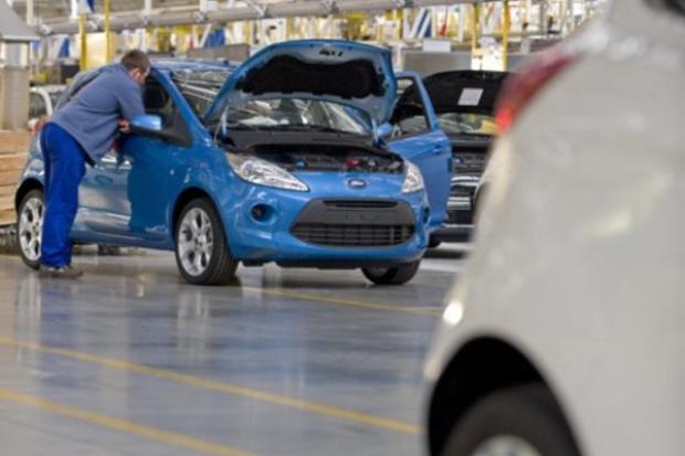 Trzeba poprawić pasy w niektórych Fordach Ka