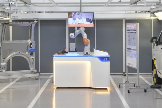 Nowa generacja robotów w fabryce Volkswagena w Hanowerze