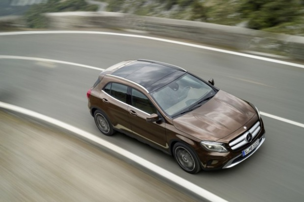 Mercedes-Benz silny w segmencie premium