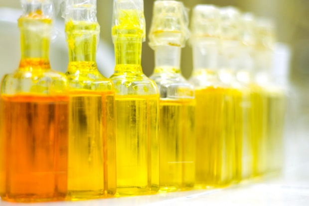 Wpadła nielegalna odbarwialnia oleju opałowego