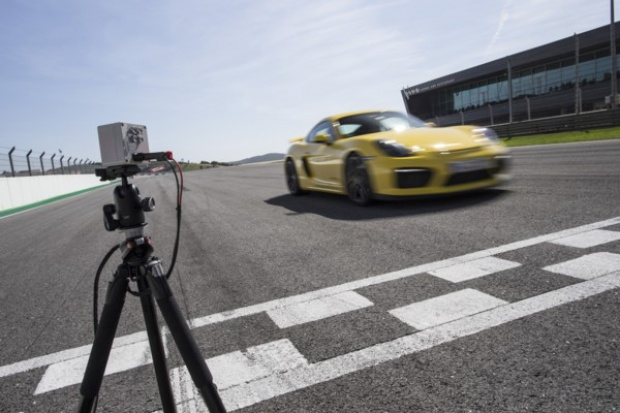 Wyścigowy gadżet w nowych Porsche GT