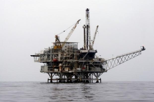 Gigantyczne cięcia inwestycji w branży naftowej i gazowej