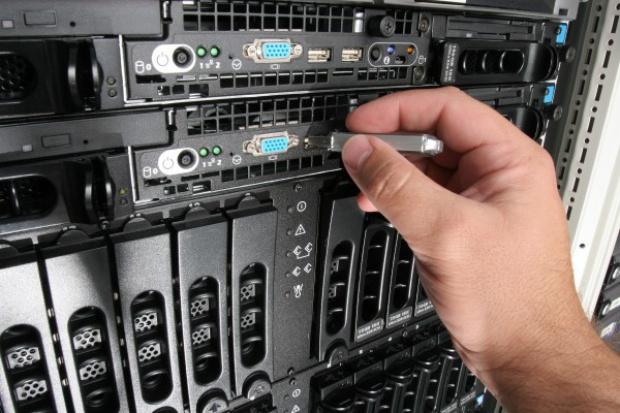 ZUS modernizuje serwery i macierze IBM