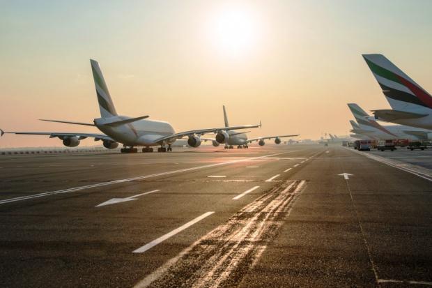 Wielki problem wielkiego lotniska z wielkimi samolotami