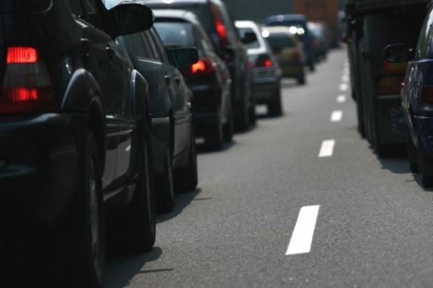 Niemcy: silniejsze auta, więcej spalin