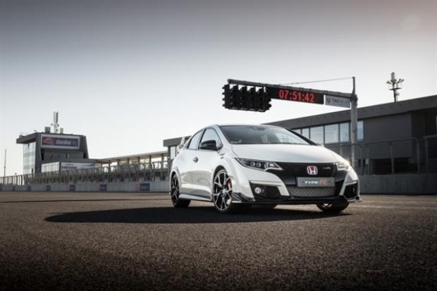 Civic Type R 2015 - auto wyścigowe do codziennego użytku