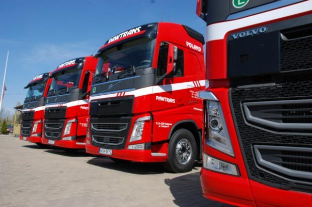 Pawtrans wzmacnia flotę ciągnikami Volvo FH