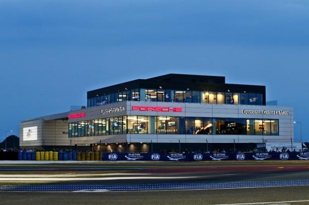 Porsche Customer Experience Center w wyjątkowym miejscu