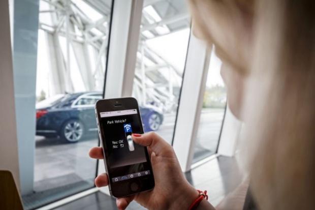 Bosch i Daimler automatyzują parkowanie