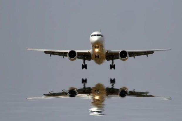 Nadprodukcja ogranicza ceny paliw lotniczych