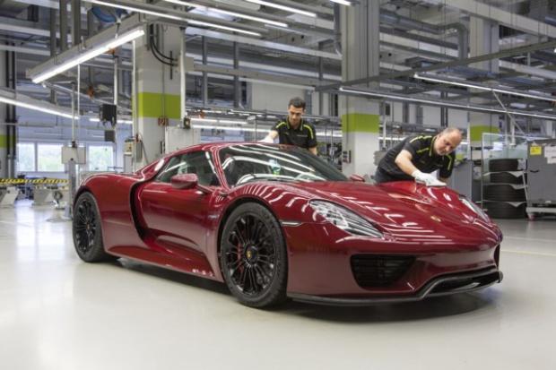 Porsche kończy produkcję technologicznego pioniera - 918 Spyder