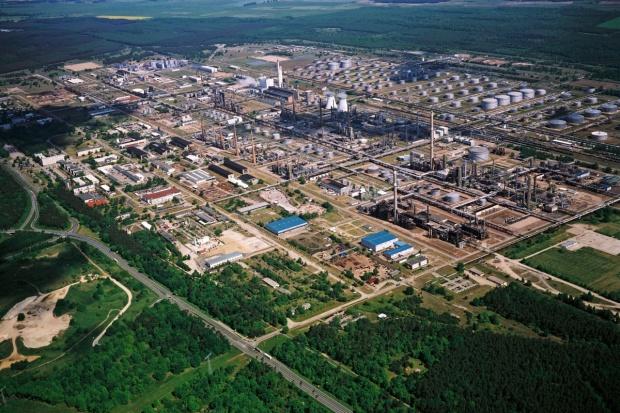 Rosnieft przejmie kontrolę nad rafinerią w Schwedt
