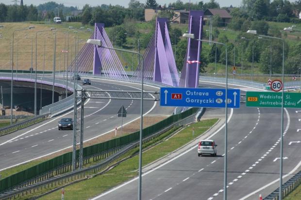 Problemy z wysokim napięciem nad autostradą A1