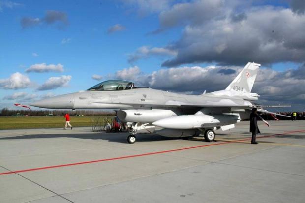 F-16 z Karoliny na ćwiczeniach w Łasku