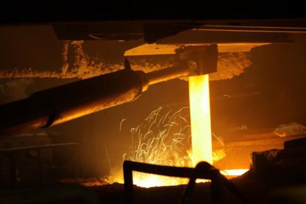 Pikieta pracowników ropczyckich Zakładów Magnezytowych