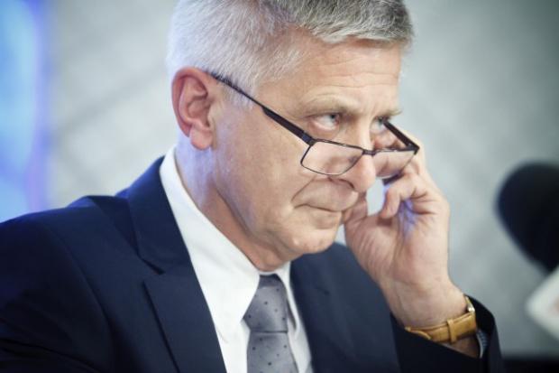 Belka: podnieść pensje Polaków i podatki