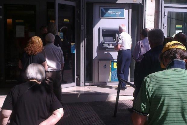 Po trzech tygodniach greckie banki zostały otwarte