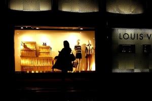 Rynek dóbr luksusowych musi zdobyć klientów z pokolenia Y