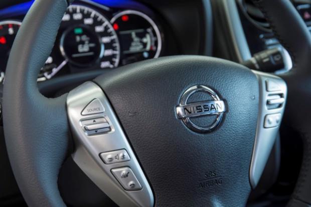 Trzeba sprawdzić układy kierownicze w niektórych Nissanach