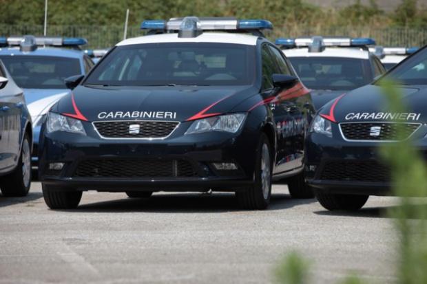Włoscy karabinierzy w Seatach