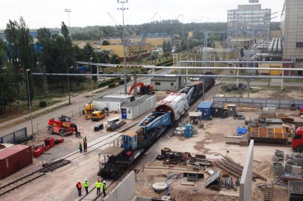 Kluczowy element nowego bloku w Kozienicach dotarł na budowę