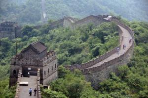 Chiny: nowe spadki na giełdzie; wskaźniki gospodarcze nasilają trend