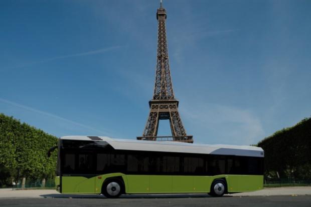 Elektryczny Solaris w Paryżu