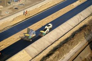 PSWNA: rezygnacja z dróg z betonu to 1,2 mld zł oszczędności