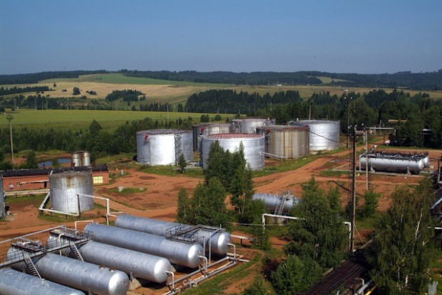 Katastrofalny spadek przychodów Rosji z eksportu ropy