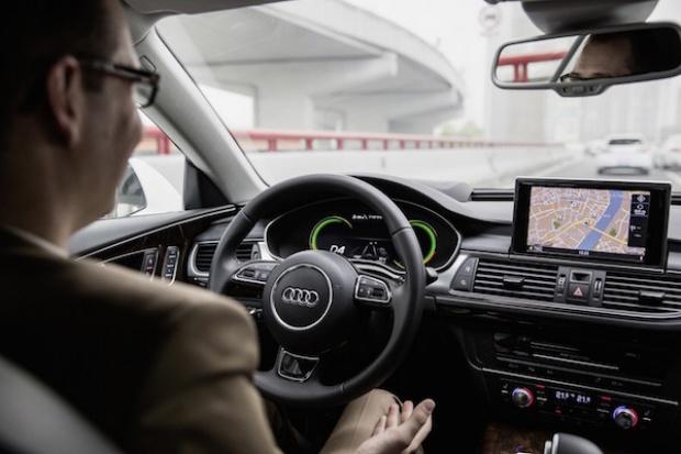 Autonomiczna jazda na rozkładzie Audi
