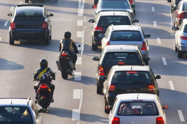 Niemcy: ciekłe aluminium zapaliło nawierzchnię autostrady